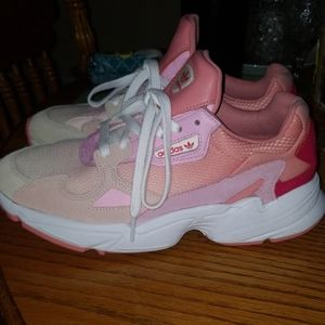 🎀 Womens Adidas falcon shoes